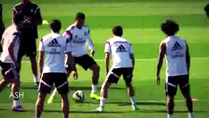 Cristiano Ronaldo Owns & Nutmegs James Rodriguez in Real Madrid Training