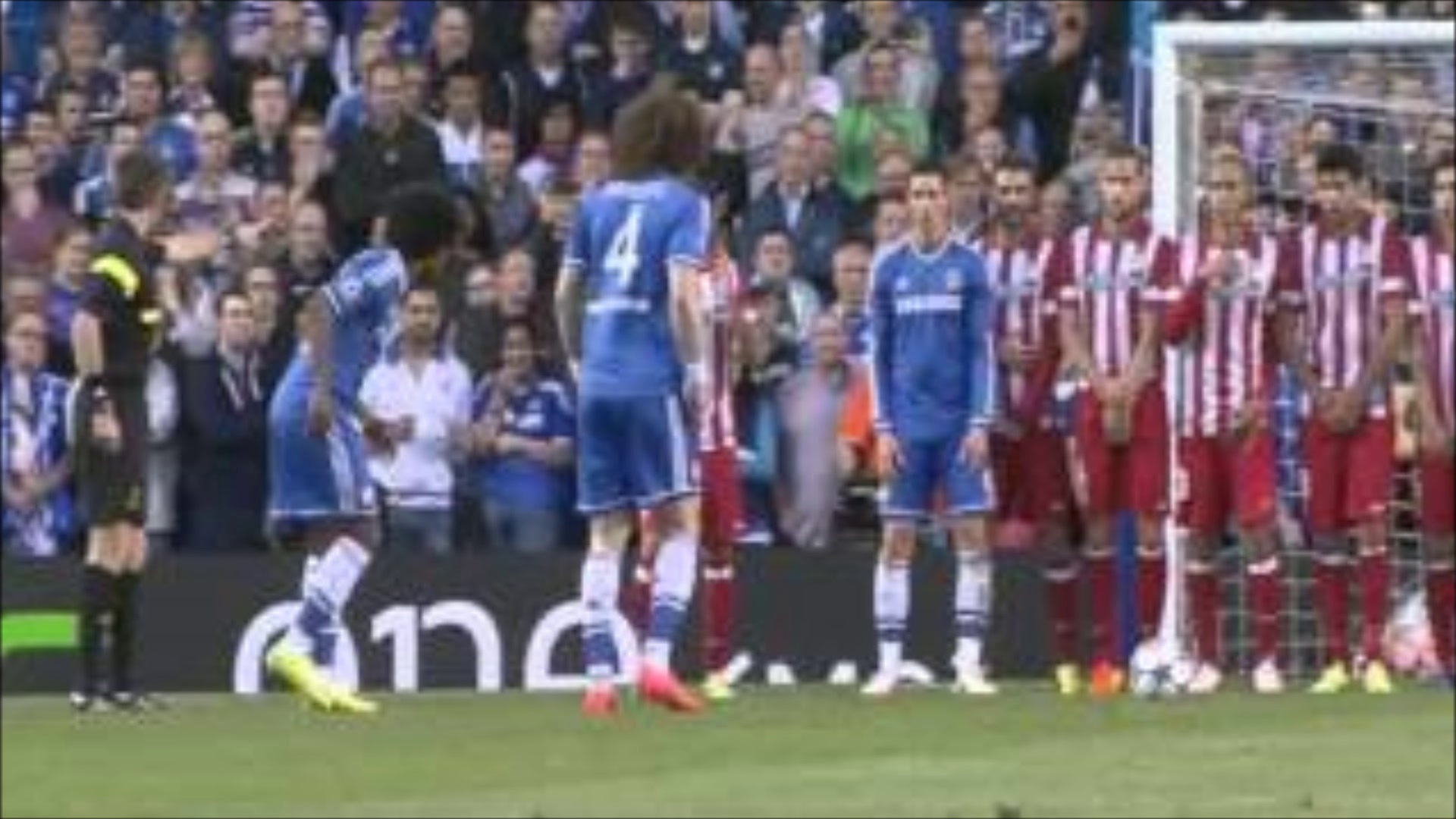 Wilian Great Free Kick ~ Chelsea vs Atletico Madrid UCL 30/04/2014 ~ HD